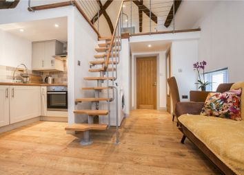 Thumbnail 1 bedroom flat to rent in Market Place, Faringdon