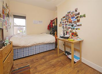 Thumbnail 3 bedroom flat to rent in Gordon House Road, London