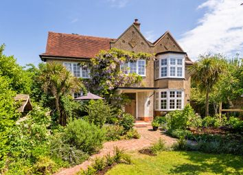 Thumbnail 4 bed detached house to rent in The Fairfield, Farnham