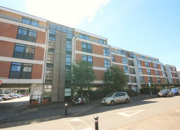 Thumbnail 2 bedroom flat to rent in Victoria Avenue, West Molesey
