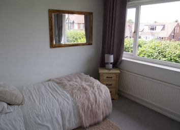 Thumbnail Room to rent in Browns Road, Holmer Green, High Wycombe