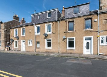 Thumbnail 2 bed flat for sale in Kirkbrae, Galashiels