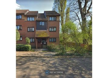 1 bed flat to rent in Grace Close, Edgware HA8