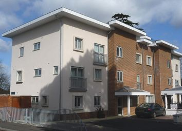 2 bed flat to rent in Lindfield Gardens, Guildford GU1