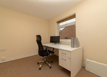 Thumbnail Commercial property to let in Windsor Street, Burbage, Hinckley
