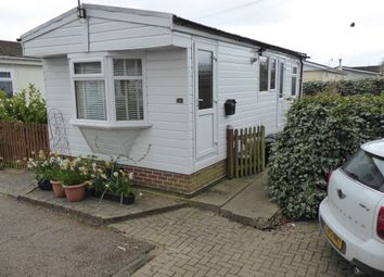 Thumbnail 1 bed mobile/park home for sale in Laburnum Court, Redehall Road, Smallfield, Horley, Surrey, 9Qb