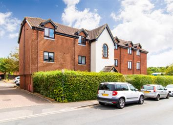 Thumbnail 1 bed flat to rent in Cromwell Road, Letchworth Garden City