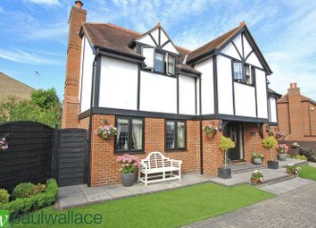 Thumbnail 5 bed detached house for sale in Conduit Lane East, Hoddesdon