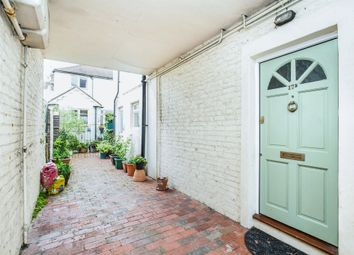 2 bed flat for sale in Sugden Road, Worthing BN11