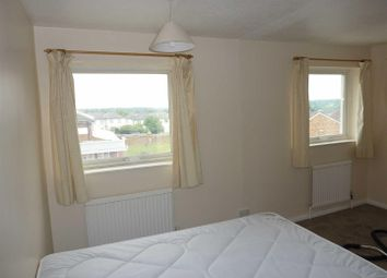 Thumbnail Property to rent in Crabtree Lane, Corner Hall, Hemel Hempstead