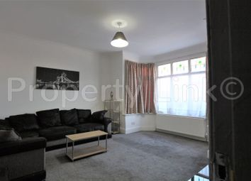 2 bed property to rent in Wanstead Park Road, Cranbrook, Ilford IG1
