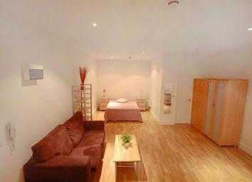 Thumbnail Studio to rent in Southwell Gardens, London, Kensington, Greater London