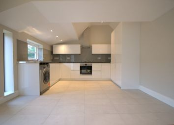 Thumbnail 4 bed flat to rent in Queenstown Road, Battersea, London