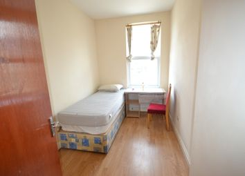 Thumbnail 5 bed flat to rent in Brough Close, Richmond Road, Kingston Upon Thames