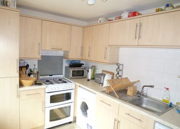 Thumbnail 2 bedroom flat to rent in Prospect Street, Caversham, Reading