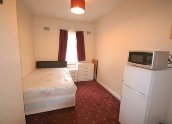 Thumbnail Room to rent in Wulfstan Street, London