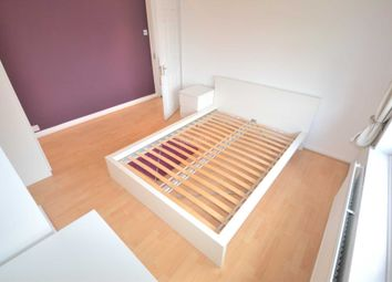 Thumbnail Room to rent in Montague Street, Caversham, Reading, Oxfordshire, - Room E