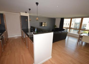 3 bed flat to rent in Gardners Crescent, Edinburgh EH3