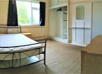 3 bed terraced house to rent in Cranswick Street, Manchester M14