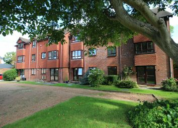 Thumbnail 2 bed flat for sale in North Parade, Horsham