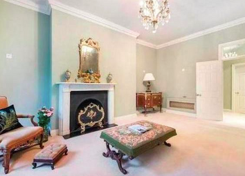Thumbnail 3 bed flat to rent in Upper Brook Street, Mayfair, London