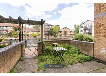2 bed terraced house to rent in Whiteadder Way, London E14