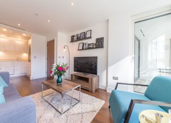 Thumbnail 1 bed flat to rent in Talisman Tower, 6 Lincoln Plaza, Canary Wharf, London
