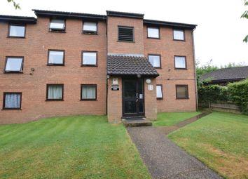 Thumbnail 2 bed flat for sale in Valley Green, Hemel Hempstead