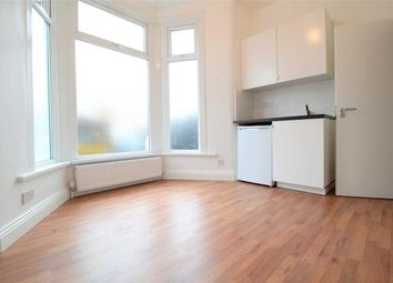 Room to rent in Wellwood Road, Seven Kings, Ilford IG3