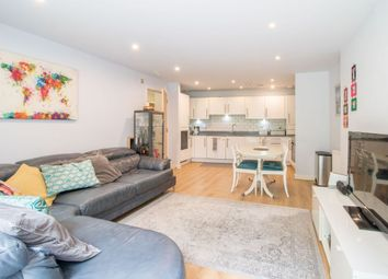 Lily Close, Pinner HA5. 2 bed flat