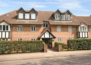 Thumbnail 2 bed flat for sale in Watling Street, Radlett