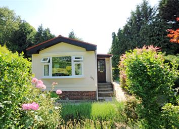 1 bed mobile/park home for sale in Fangrove Park, Lyne, Surrey KT16