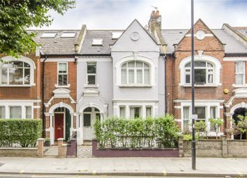 Thumbnail 2 bedroom flat for sale in Wandsworth Bridge Road, London