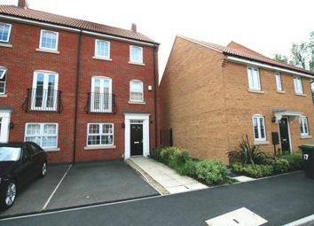 Thumbnail 4 bed town house to rent in Wharton Crescent, Beeston, Nottinghamshire