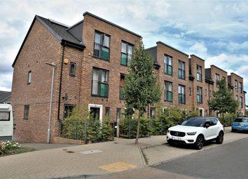 Spey Road, Tilehurst, Reading, Berkshire RG30. 3 bed end terrace house