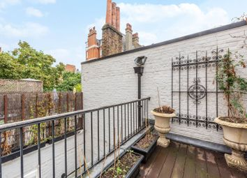 Lincoln Street, Chelsea, London SW3. 3 bed property