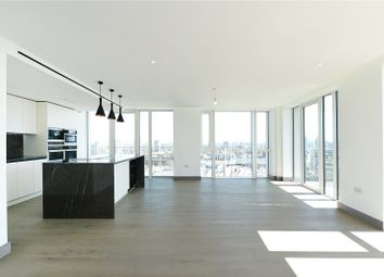 3 bed flat to rent in Admiralty House, 150 Vaughan Way, London E1W