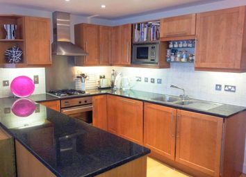 Thumbnail 2 bed flat to rent in Tanner Street, London