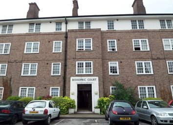 Thumbnail 1 bed flat to rent in Bishopric Court, Horsham