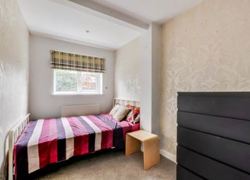 Thumbnail Room to rent in Cobbles Crescent, Crawley