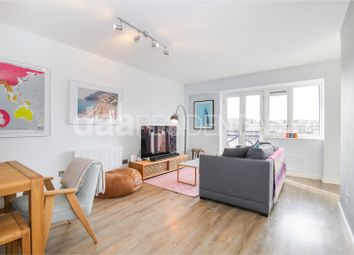 Thumbnail 3 bed flat for sale in Newlands Quay, Wapping
