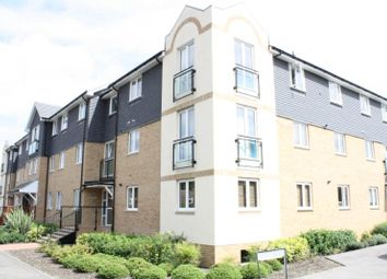 Thumbnail 1 bed flat to rent in Wapshott Road, Staines Upon Thames, Middlesex