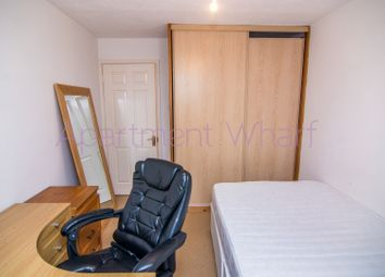 Thumbnail 4 bed shared accommodation to rent in Barnfield Place, London
