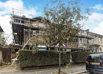 Thumbnail 1 bed flat for sale in 19 Thornhill Road, Central / West Croydon