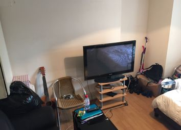 Thumbnail 2 bed flat to rent in Earls Court Road, London