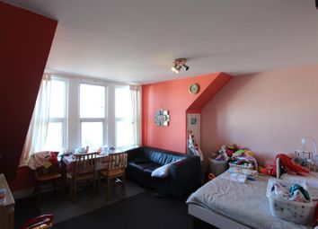Thumbnail 1 bed flat to rent in Bounds Green Road, Bounds Green