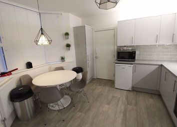 Room to rent in Tennyson Road, Luton LU1