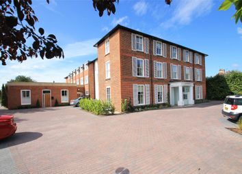 Newark Lane, Ripley, Surrey GU23. 2 bed flat