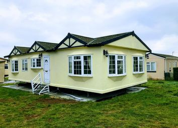 Thumbnail 3 bed mobile/park home for sale in Cheveley Park, Grantham