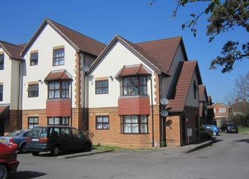 2 bed flat to rent in Lancaster Court, Newstead Rise, Shinfield RG2